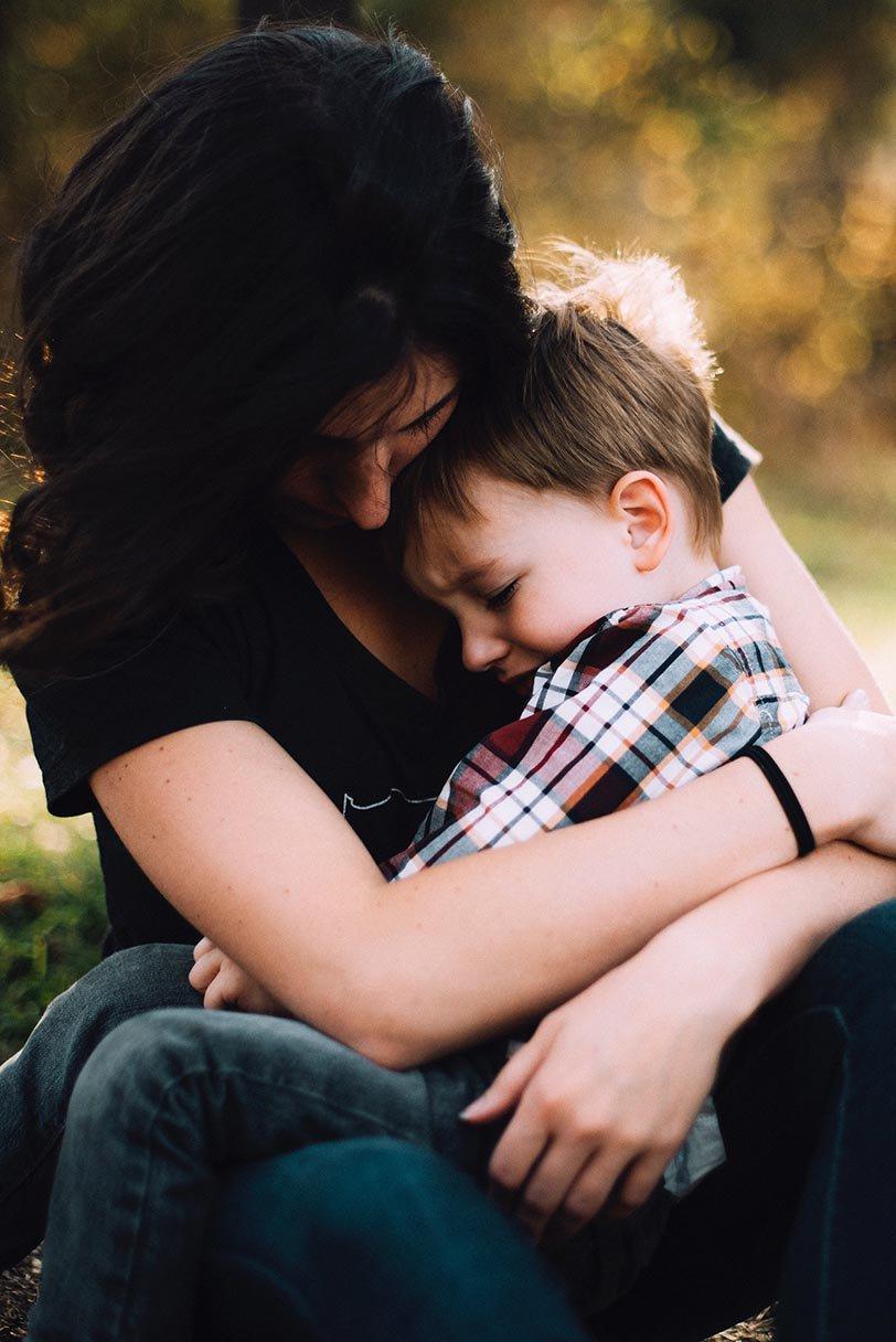 Mamma e figlio bullismo e cyberbullismo